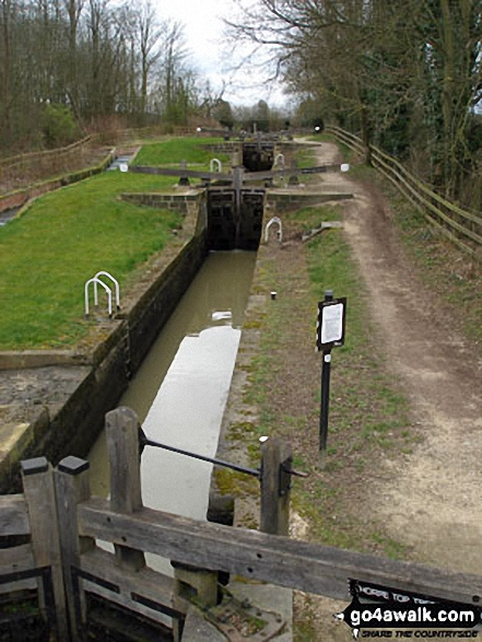The Chesterfield Canal - Thorpe Top Triple Lock