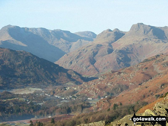 Crinkle Crags (Crinkle Crags (South Top), Crinkle Crags (Long Top), & Gunson Knott), Bow Fell (Bowfell), Esk Pike & The Langdale Pikes from Loughrigg. Walk route map c271 The Scafell Massif from Wasdale Head, Wast Water photo