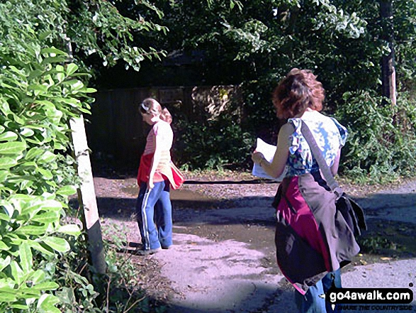 Following The Greensand Way, South Nutfield. Walk route map su125 South Nutfield from Bletchingley photo
