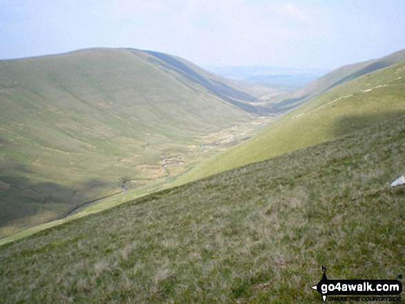 Walk West Fell walking UK Mountains in The Howgill Fells The Yorkshire Dales National Park Cumbria    England