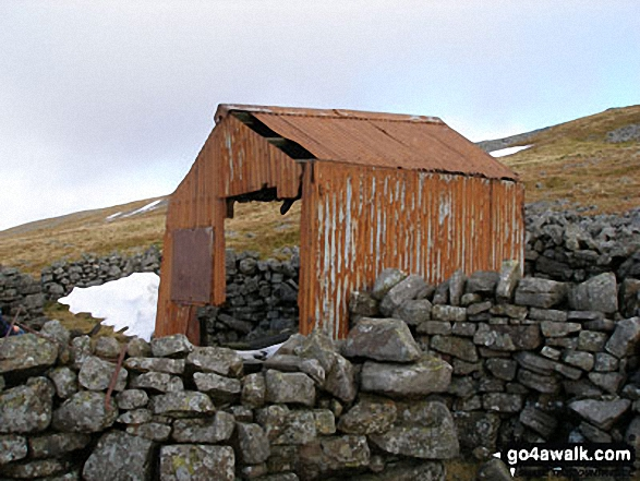 Stoop Band Bothy on the lower slopes of Cross Fell