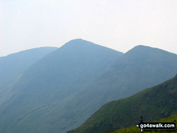 Walk c251 The Mardale Head Horizon from Mardale Head - Yoke, Ill Bell and Froswick seen from the path to Harter Fell