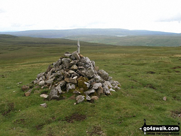 Cairn Coldberry End with Three Pikes in the background