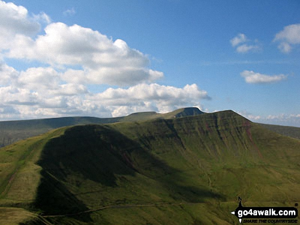 Craig Cwm Cynwyn, Cribyn, Craig Cwm Sere, Pen y Fan and Corn Du from Fan y Big
