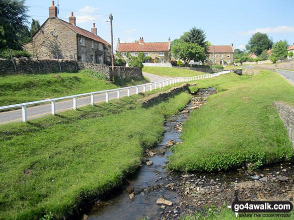 Walk ny190 Appleton-le-Moors from Hutton-le-Hole - Hutton-le-Hole