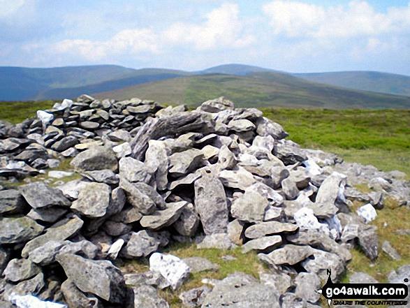 Mynydd Tarw summit cairn