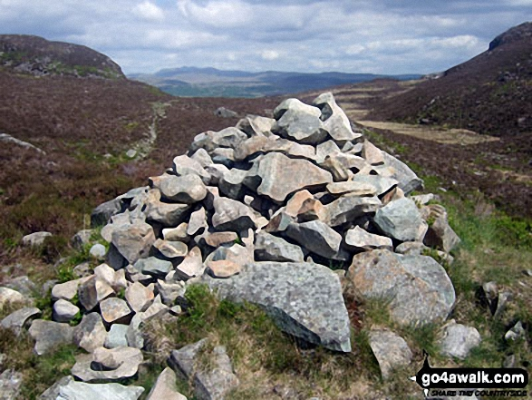 The large cairn at the top of the Bwlch Drws-Ardudwy pass