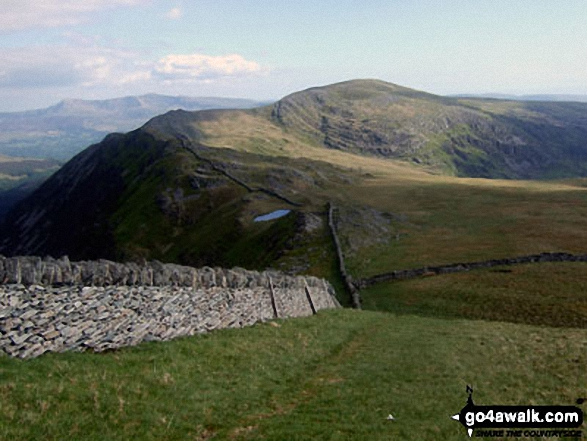 Crib-y-rhiw (foreground) and Diffwys from Y Llethr