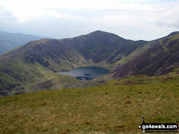Craig Cwm Amarch and Llwn Cau from the lower slopes of Mynydd Moel. Walk route map gw137 Cadair Idris (Penygadair), Mynydd Moel, Craig Cwm Amarch and Cyfrwy via The Fox's Path photo