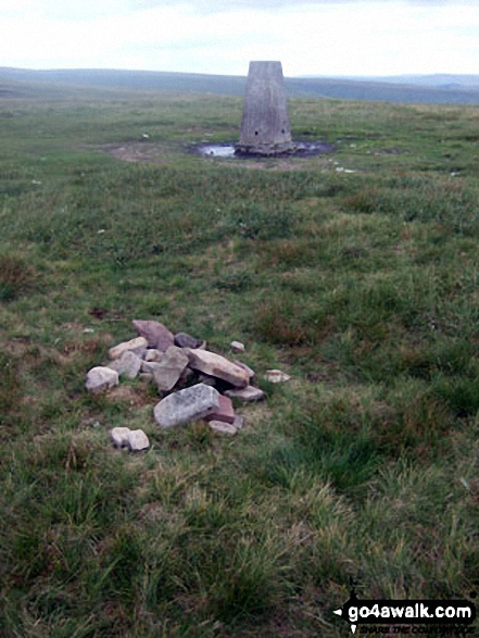 Fan Fawr cairn and trig point
