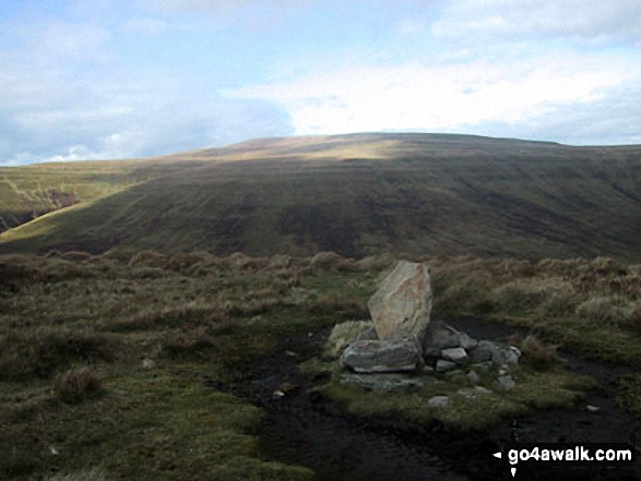Walk Mynydd Llysiau walking UK Mountains in The Black Mountains The Brecon Beacons National Park Powys    Wales