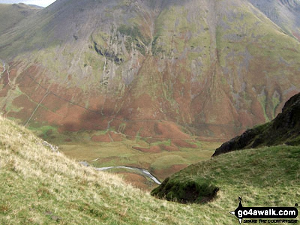 Kirk Fell and Mosedale from Dore Head having just climbed up from Wasdale and heading for Yewbarrow. Walk route map c101 Pillar and Little Scoat Fell from Wasdale Head, Wast Water photo