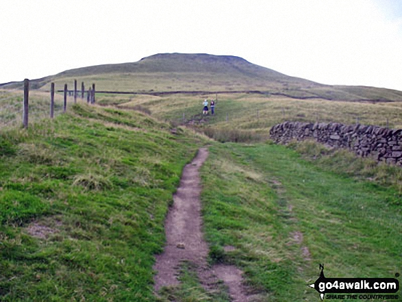 Nearing the summit of Shutlingsloe