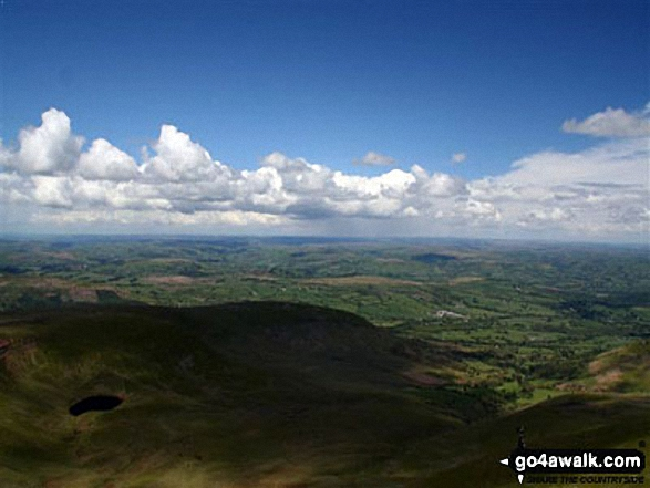 Walk Picture/View: View from Pen y Fan in The Brecon Beacons Area, The Brecon Beacons, Powys, Wales by Krzysztof Ciebien (17)