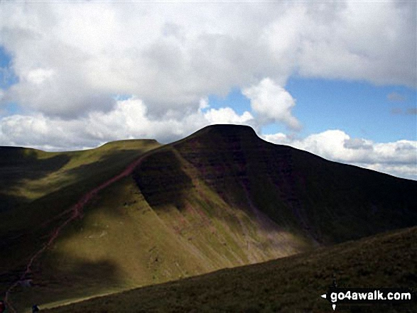 Walk po169 Corn Du, Pen y Fan, Cribyn and Fan y Big from Nant Cwm Llwch nr Brecon - Pen y Fan from Cribyn