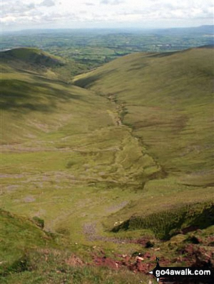 Gwaun Perfedd (left) and Gwaun Taf (right) from Pen y Fan