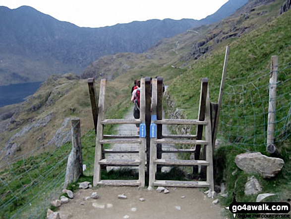 Walking The Pyg Track route up Mount Snowdon from Pen-y-Pass. Walk route map gw134 Mount Snowdon (Yr Wyddfa) avoiding Crib Goch from Pen y Pass photo