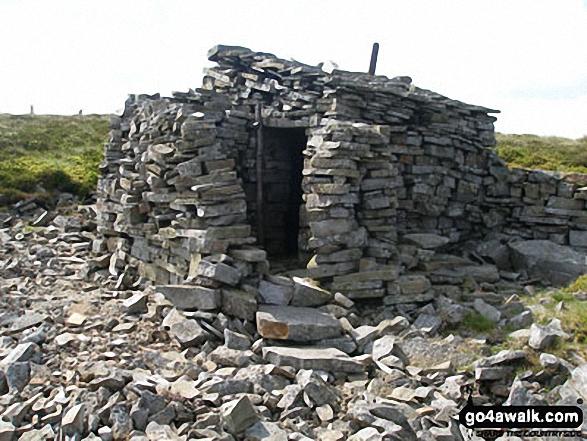 Dead Stones summit shelter