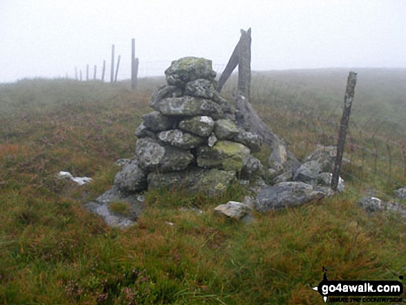 Cairn just to the North of the summit of Carnedd Llechwedd-llyfn
