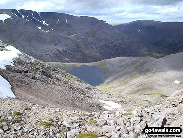 Walk ad104 The Devil's Point and Cairn Toul from Corrour Bothy, Lairig Ghru - Braeriach (Braigh Riabhach) and Lochain Uaine from Coire an Lochain Uaine