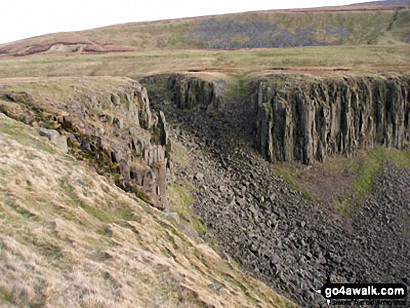 The Head of High Cup from The Pennine Way