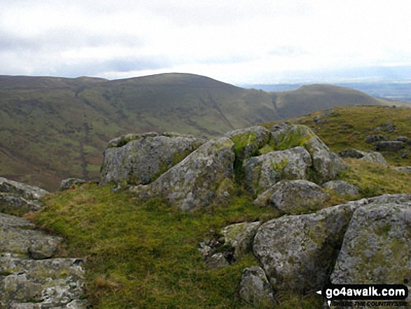 Cuns Fell summit. Walk route map c430 Cuns Fell, Melmerby Fell and Fiend's Fell from Melmerby photo