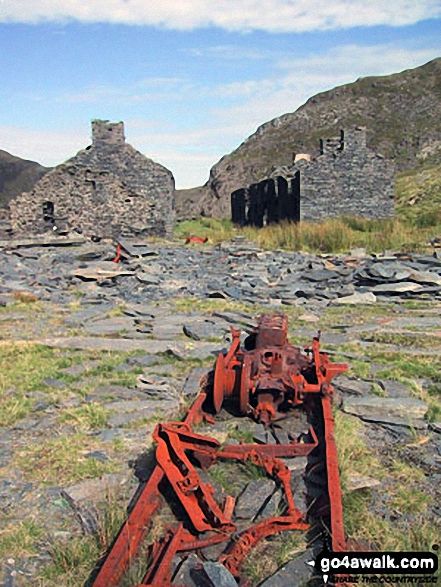 Ruined buildings and machinery in Rhosydd Quarry