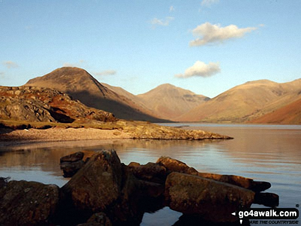 Yewbarrow (left), the shoulder of Kirk Fell, Great Gable (centre) and Lingmoor Fell (right) from Wast Water. Walk route map c453 The Scafell Mountains from Wasdale Head, Wast Water photo