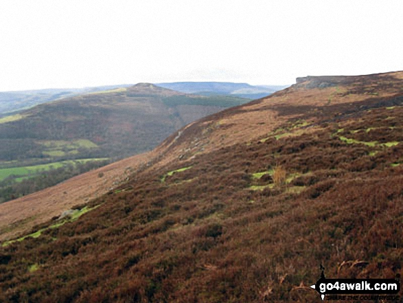 Winhill Pike (Win Hill) and Bamford Edge from the lower slopes of Bamford Moor