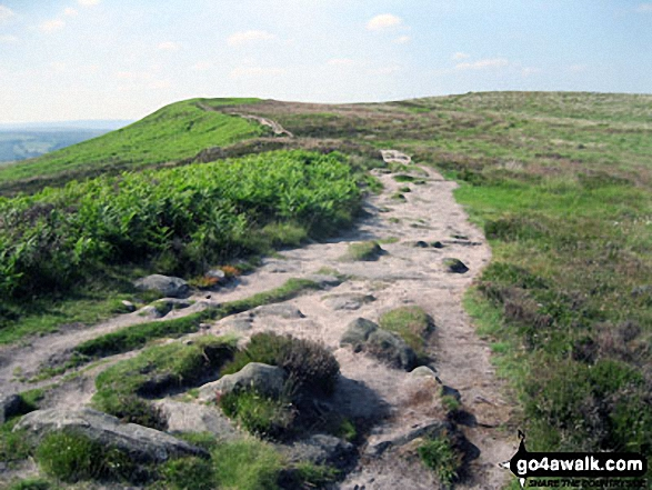 The path along the top of White Edge (Big Moor)