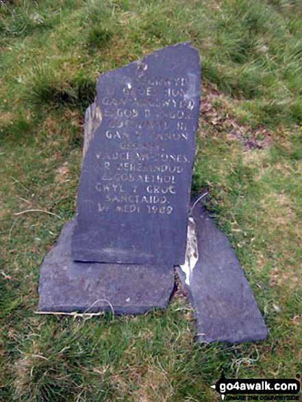 Bwlch y Groes Memorial