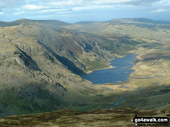 Walk Pen yr Helgi Du walking UK Mountains in The Carneddau Area Snowdonia National Park Conwy    Wales