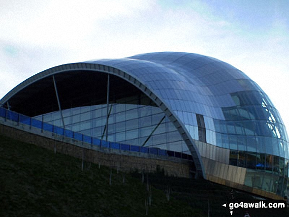Walk tw100 The River Tyne from Gateshead Millennium Bridge (Baltic Square) - The Sage Gallery Building, Gateshead