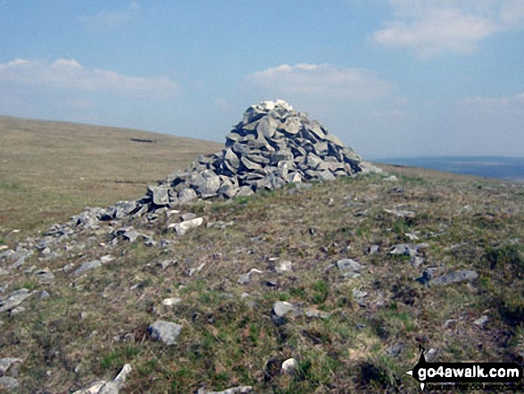 Large cairn on the shallow bwlch between Pen Pumlumon Fawr (Plynlimon) and Pen Pumlumon Llygad-bychan