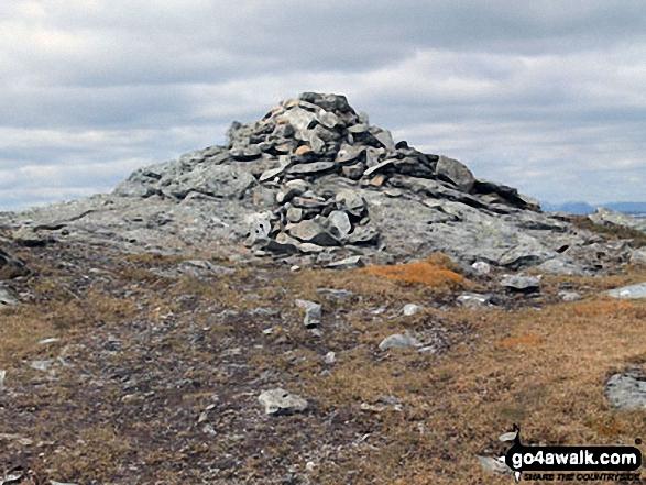 Stob Garbh (Cruach Ardrain) summit cairn