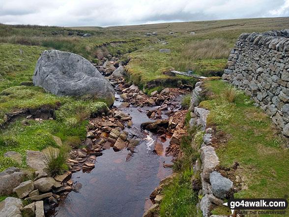 Walk ny161 Meugher from Yarnbury, Grassington - Deep Cut on Sleet Moor