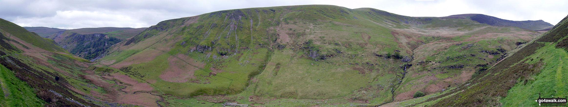 The Pistyll Rhaeadr crags (far left), Trum Fellen, Moel Sych, Cadair Berwyn and Cadair Berwyn (North Top) (far right) from Nant y Llyn near Llyn Lluncaws