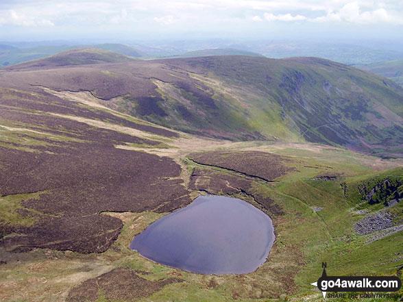 Walk po109 Foel Wen and Cadair Berwyn from Tyn-y-fridd - Llyn Lluncaws from Moel Sych