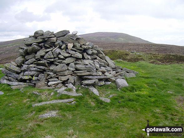 Walk po117 Cadair Berwyn and Post Gwyn from Pistyll Rhaeadr - The large cairn on the summit of Post Gwyn