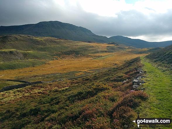 Tarrau Mawr (Craig-las) and Craig-y-llyn from the path near Ty'n-llidiart