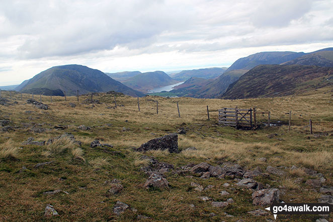 The High Stile ridge (left), Buttermere and the Grasmoor massif (right) from Brandreth