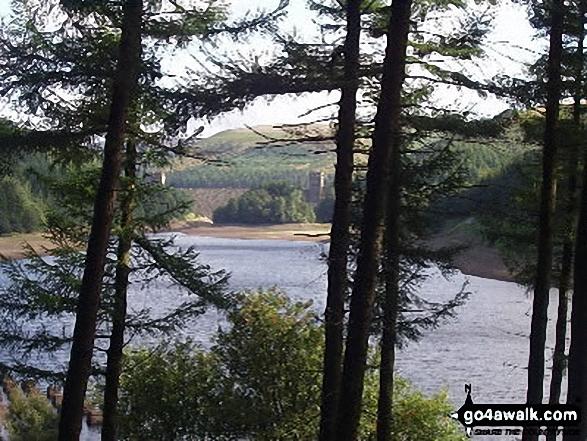 Derwent Dam and Ladybower Reservoir. Walk route map d260 Back Tor from Fairholmes Car Park, Ladybower Reservoir photo