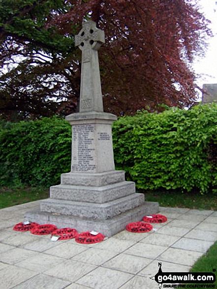 Walk bu109 Whiteleaf Cross from Great Kimble - Monks Risborough war memorial