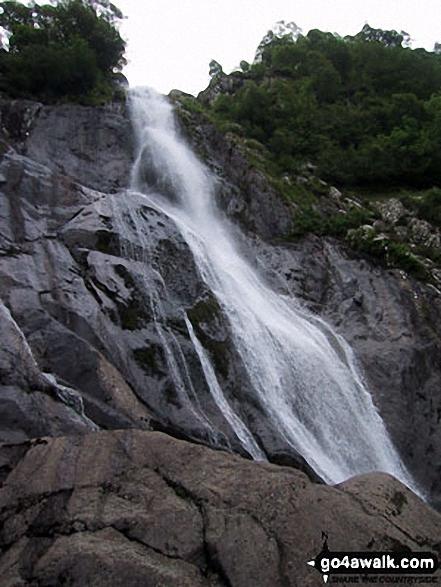 Walk gw171 Bera Bach from Bont Newydd - Aber Falls (Rhaeadr-fawr) - Close up!