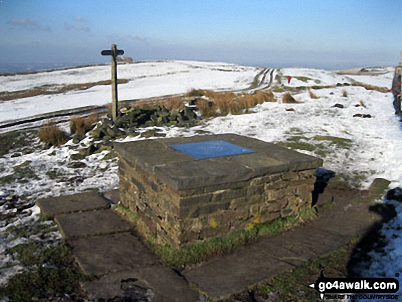 Summit of Sponds Hill - and the Highest Point of the Gritstone Trail
