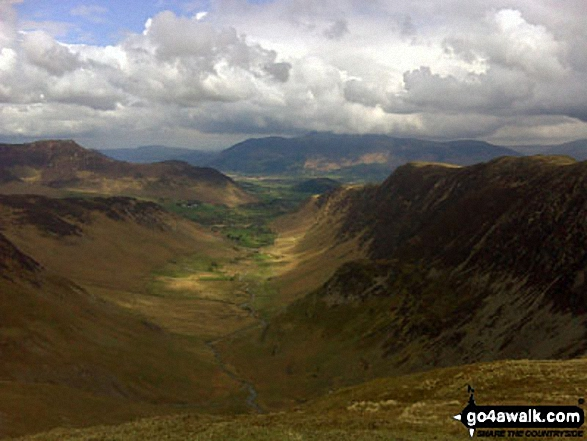 Walk c100 The Newlands Horseshoe from Hawes End - The magnificent Newlands Valley from Dale Head (Newlands)