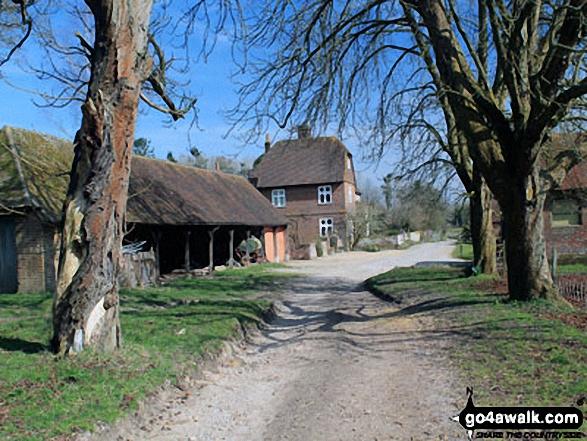 Walk ha123 Four Marks and Chawton Park Wood from Chawton - Chawton Park Farm