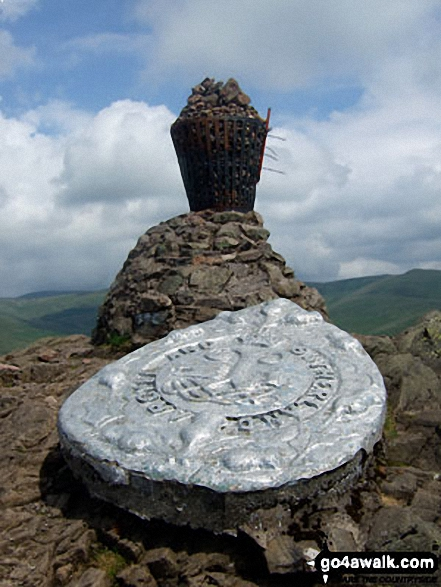 Dumyat summit memorial and beacon