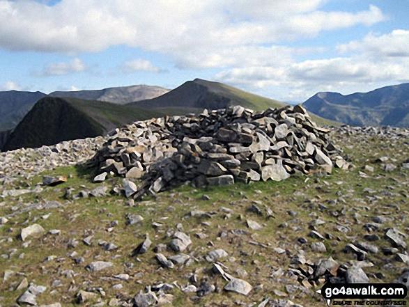 Mynydd Perfedd summit shelter
