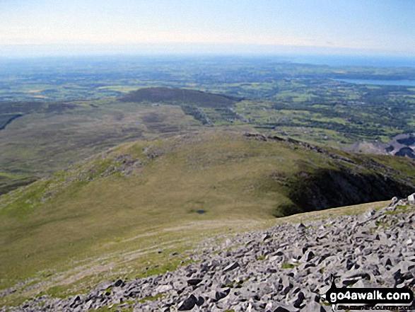 Carnedd y Filiast (Glyders) (North Top) (the grassy hump mid picture) from Carnedd y Filiast (Glyders) summit